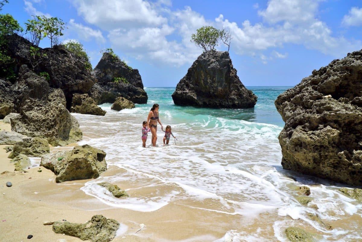 7 Best Beaches To Visit Around Uluwatu Bali Flip Flops And Not The Sandy Beach Kind Design Technology Nusa Dua Pandawa